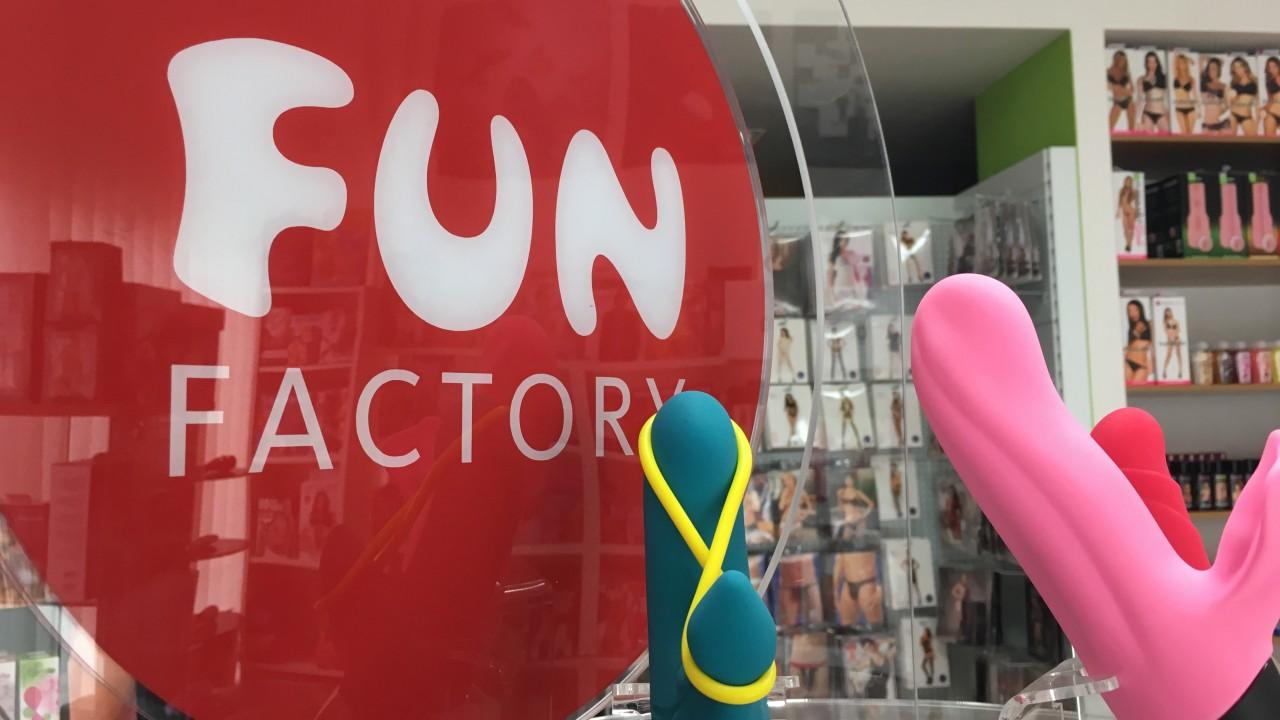 eroticstore-cz-prodejna-fun-factory-jpg_1492680119_1280x720_tt_90