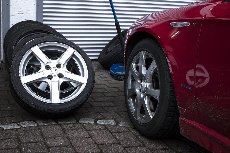 pneumatika na auto