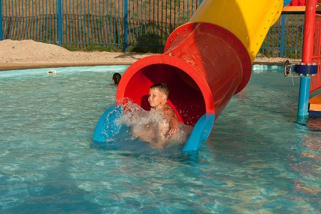 Udělejte dětem radost a vezměte je do aquaparku